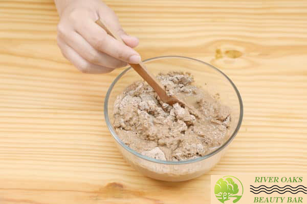 step-3-mix-clay-and-water-into-a-smooth-paste